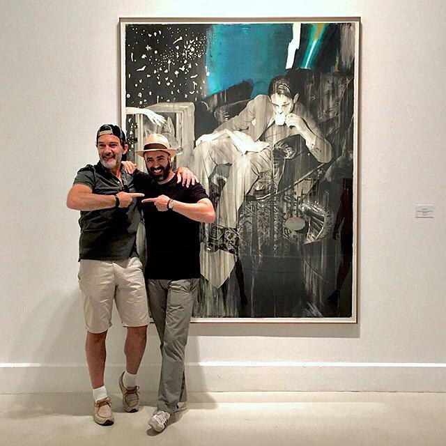 Antonio Banderas y José Luis Puche en la exposición del CAC de Málaga